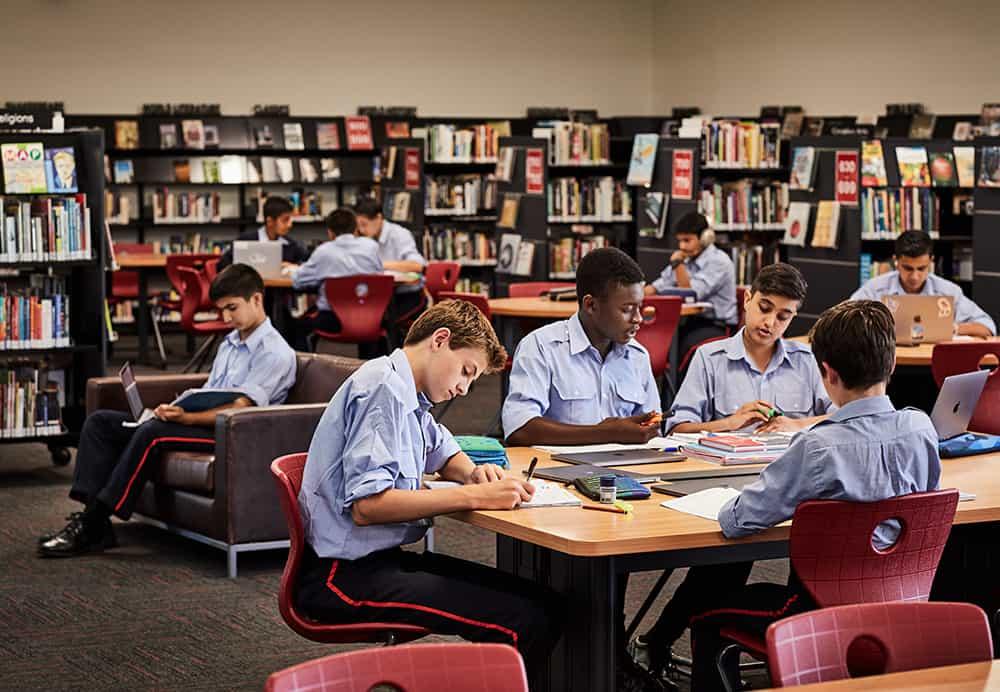TKS_Facility_SeniorSchool_Library_1000x692